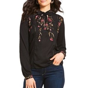 lucky brand / Mandarin Tie-Neck Floral Embroidered